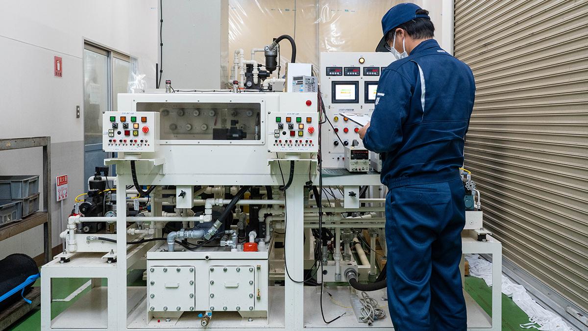 油圧性能試験機