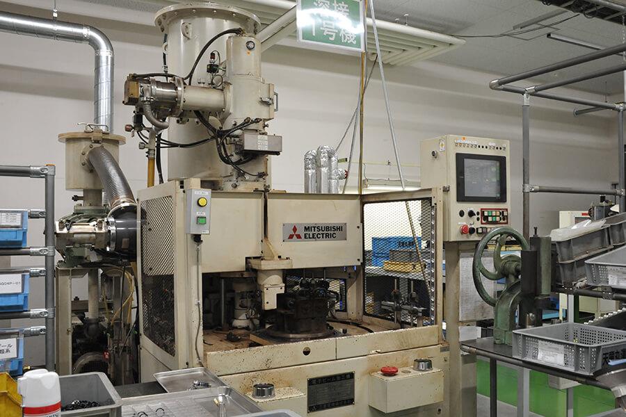 電子ビーム溶接機